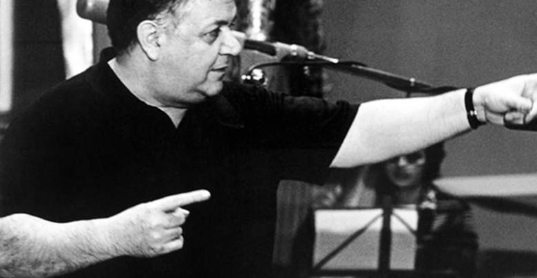 Photo of Mάνος Χατζιδάκις: ο επαναστατικός νους που έχει εκλείψει από τον τόπο