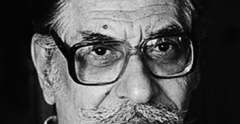 Photo of Μανόλης Αναγνωστάκης: Φοβάμαι τους ανθρώπους που με καταλερωμένη τη φωλιά, πασχίζουν να βρουν λεκέδες στη δική σου