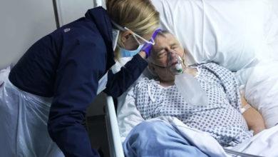 Photo of Κορωνοϊός – Ιταλία: Μείωση θανάτων και κρουσμάτων, λιγότεροι ασθενείς στις ΜΕΘ