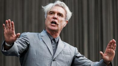 Photo of David Byrne των Talking Heads: Ο κόσμος αλλάζει. Μπορούμε κι εμείς…