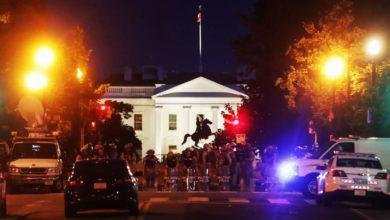 Photo of ΗΠΑ: Ξεφεύγει η κατάσταση! Στρατός με βαρύ οπλισμό στην Ουάσινγκτον – Χαμός και πάλι έξω από τον Λευκό Οίκο (video)